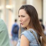 9 Signalen van Vreemdgaan + Wat je het Best Kunt Doen als je dit Vermoedt